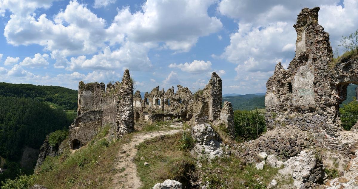 hrad-šášov
