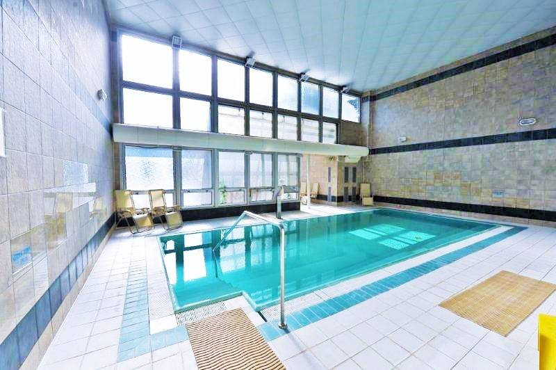 bazen-hotel-thermal